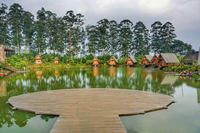 bambu kampung - 4 Pilihan Tempat Outbond Murah di Bandung Yang Pas Untuk Keluarga